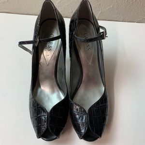 GUESS MARCIANO Ankle Strap Peep Toe Platform Sz 8